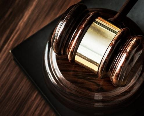 Anwälte für internationale Urteile aus Brasilien & Schweiz | Peters Vereinigte Anwälte