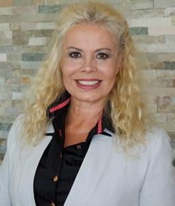 Peters Vereinigte Anwälte - Rechtsanwältin Ione Peters